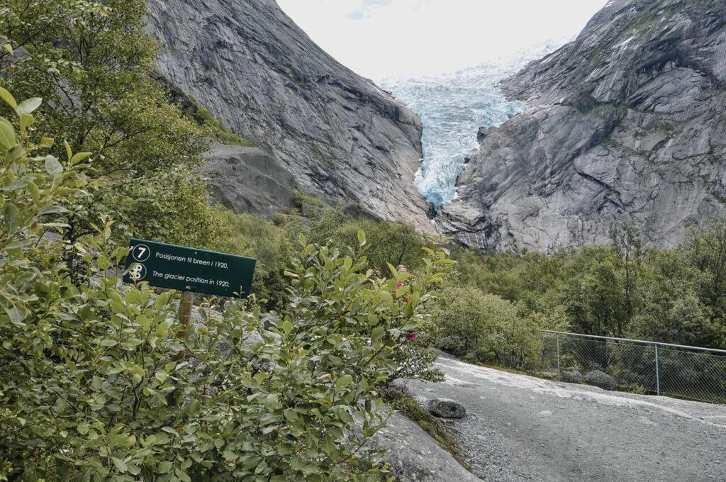ciekawe miejsca w Norwegii - lodowiec Briksdal