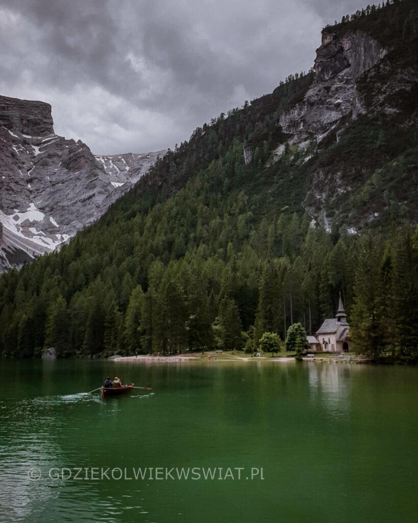Dolomity turkusowe jezioro Lago di Braies