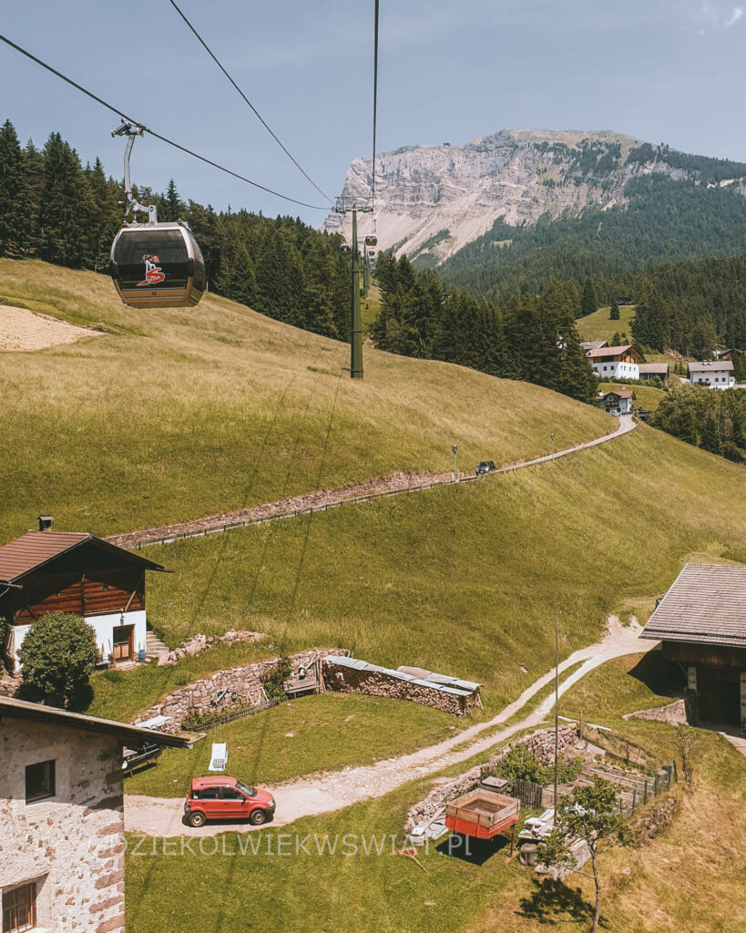 Seceda Dolomity kolejka